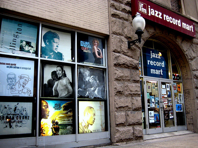 Walking Jazz, Talking Blues Chicago Tour on Tap
