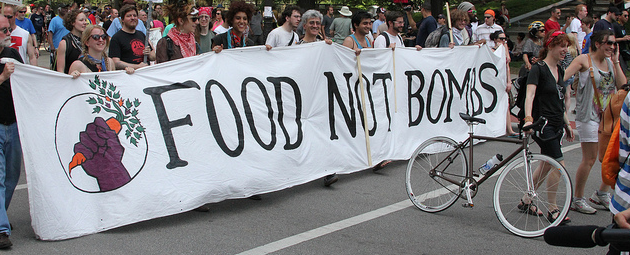 Food not Bombs Highlights Contradictions of War, Hunger