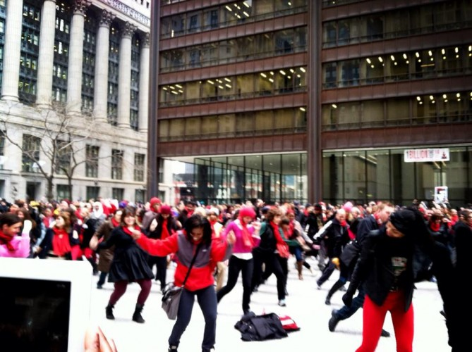 Women Dance in Chicago to 'Break the Chain'