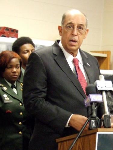 Former Army Commander Blames Lack of Leadership for Violence