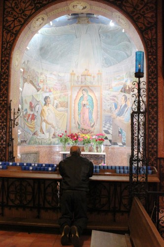 Chicago Latinos embrace first pope from Latin America