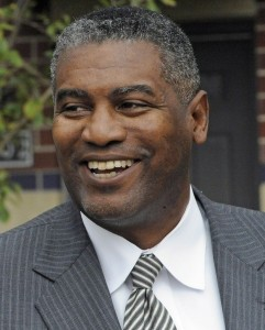 Chicago Housing Authority CEO Resigns for More Family Time