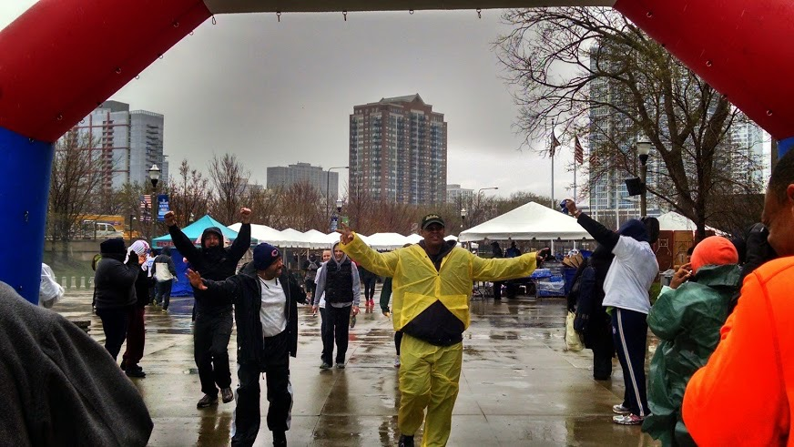 The 44th Walk & Roll Chicago Attracts Thousands Despite Weather
