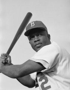 Jackie_Robinson,_Brooklyn_Dodgers,_1954